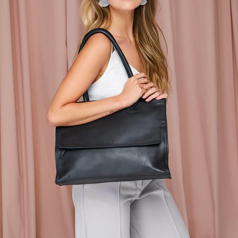 bag-mustsee-black (5)