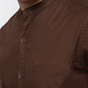Men Solid Casual Mandarin Shirt (Brown)