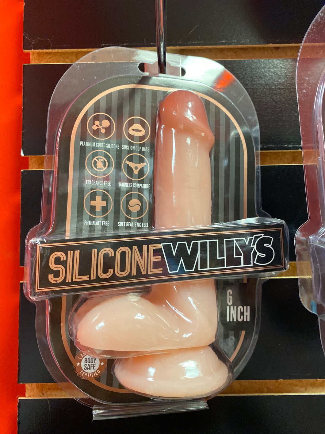 SILICONE WILLYS 6IN W/BALLS VANILLA