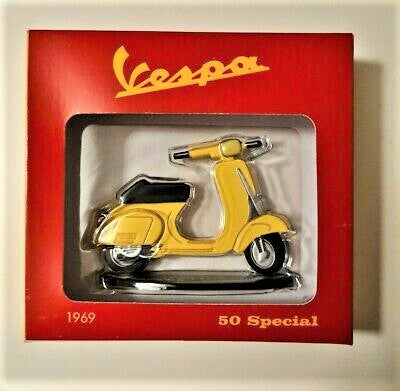 8CDJ Licenced Collectibles, Toys and Games Inc Vespa, Disney, Lord of the Rings, Star Wars, DC RRP £9500 *Box Damaged Items*