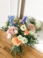 Load image into Gallery viewer, Florist Choice Bouquet