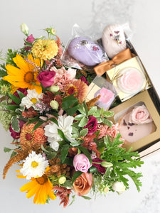 Blooming gift box