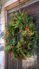 Load image into Gallery viewer, Holiday wreath