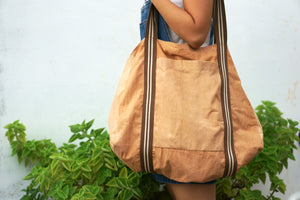 Side view when carry the Big Grocery Bag - Xiapism Natural Dye