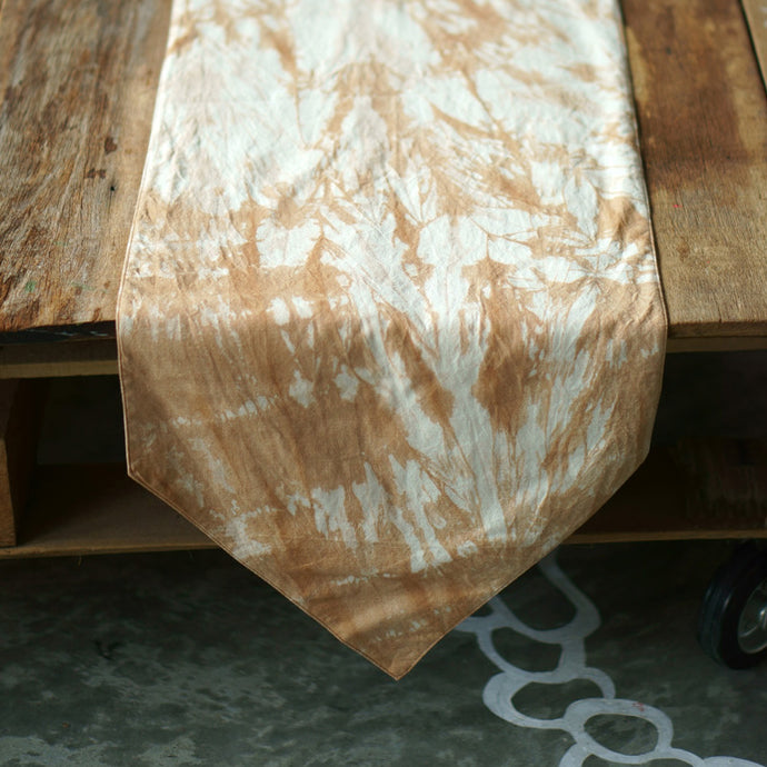 Pointed Ends Grunge Table Runner - Xiapism Natural Dye