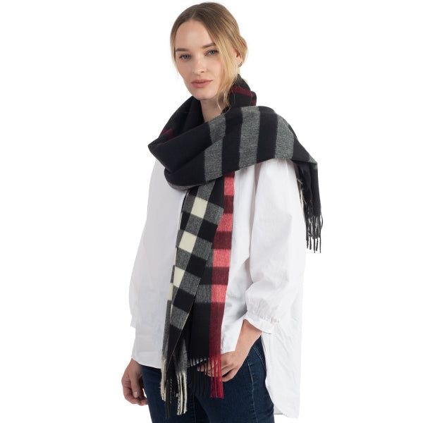 Plaid Pattern Scarf - Black