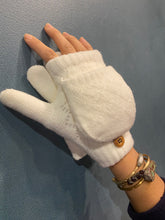 Load image into Gallery viewer, Crochet fingerless gloves - White