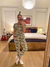 Load image into Gallery viewer, RUCHED JOGGER PANTS - CAMO