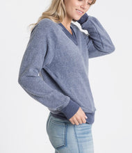 Load image into Gallery viewer, Cut out Pullover - Navy