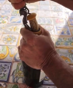 HOW TO OPEN OUR WINE