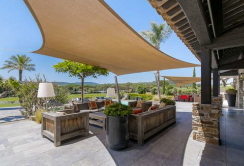 SAINT TROPEZ-VINEYARDS-3884090-EN-CLIENT