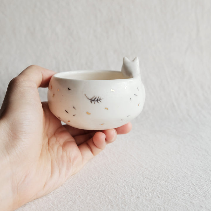Sleepy Fox Planter | Curve