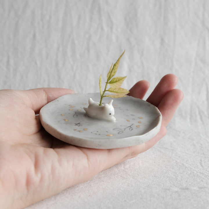 Windswept Guardian Dish | Leaping Bunny