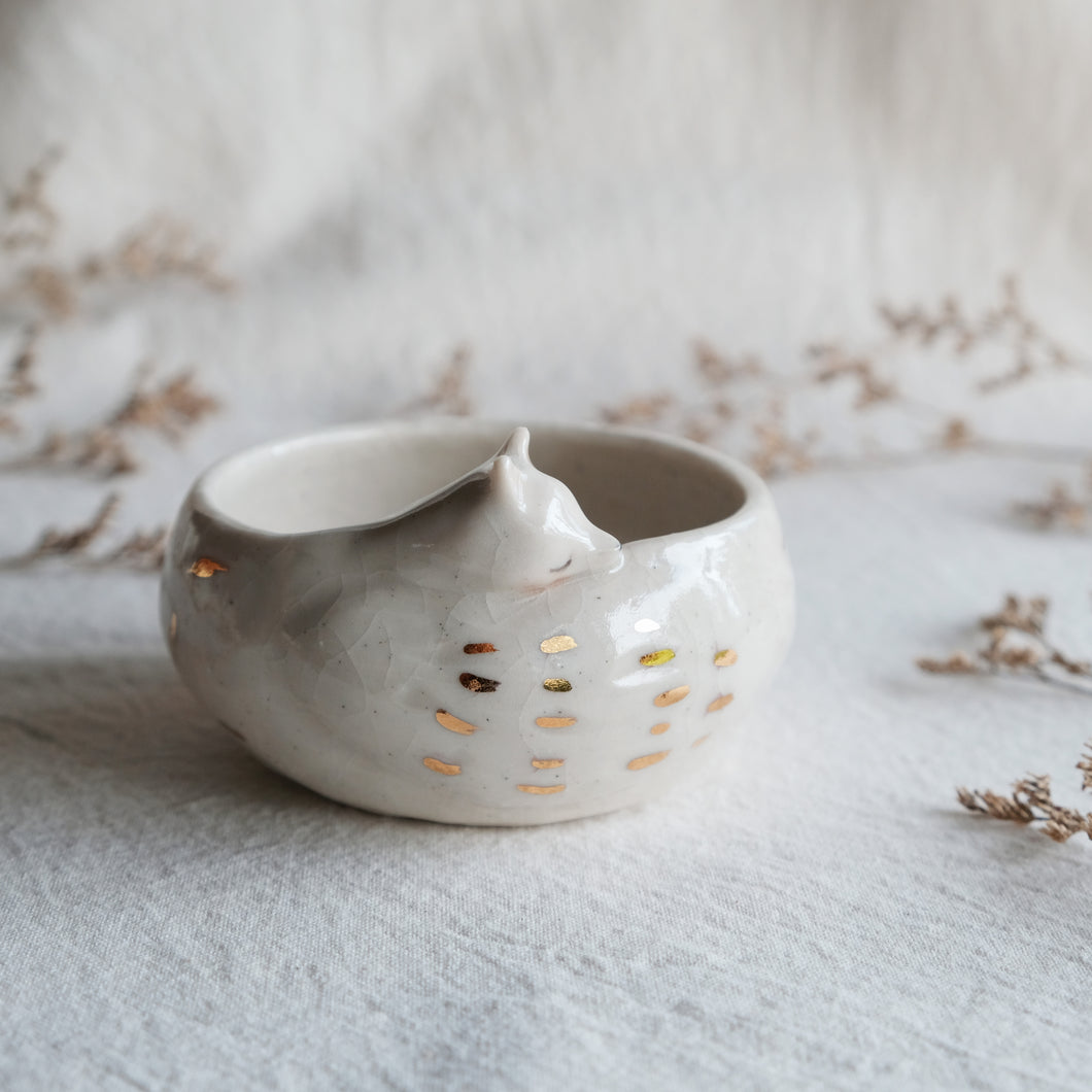 Sleepy Fox Planter | Crackle Dash
