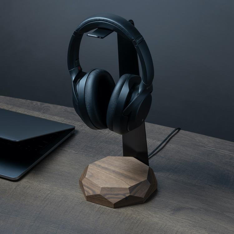Headphones hanger with wireless charger |--variant--| Walnut