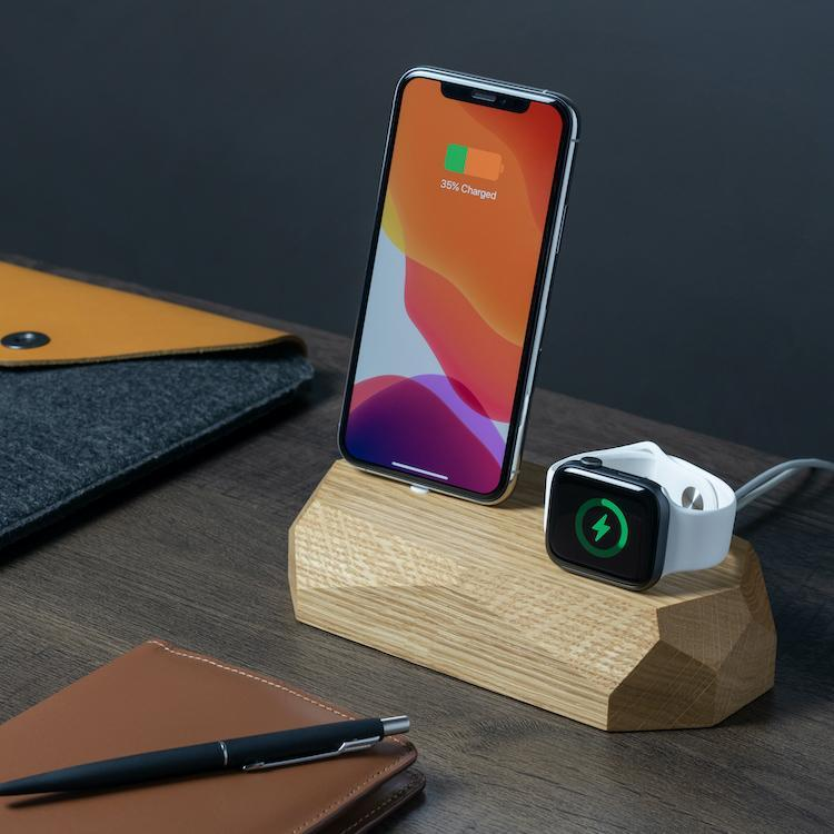 wooden iphone apple watch charging dock |--variant--| Oak