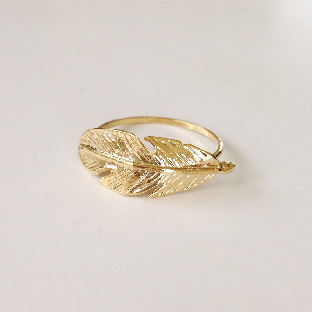 Shiny Feather Ring