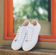 Load image into Gallery viewer, Vegan Etiko White Low Cut Sneakers Fairtrade Lifestyle Window