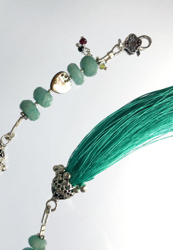 Emerald Tassel - adelina.world