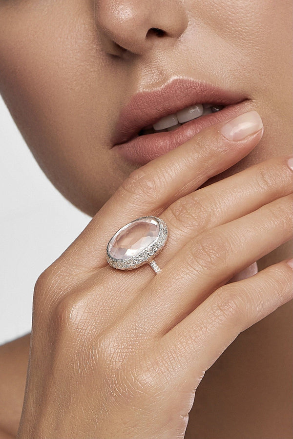 Rose Quartz Oval Silver Ring - adelina.world