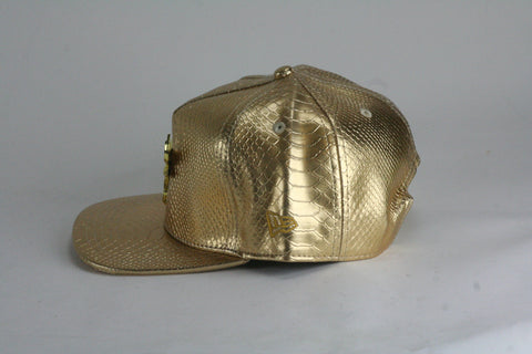 Bulls gold logo All Gold Snapback - HatsbyWill  - 1