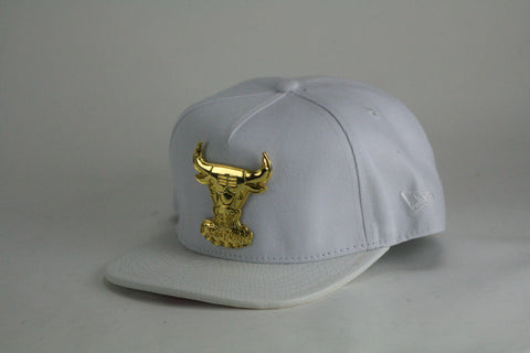 Bulls gold logo white leather brim Snapback - HatsbyWill  - 1