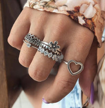 Load image into Gallery viewer, Juran Ring Set - Sateur Allure