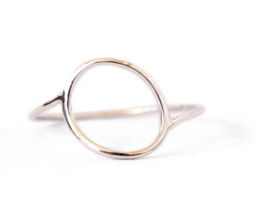Wonky Oval Ring / Silver