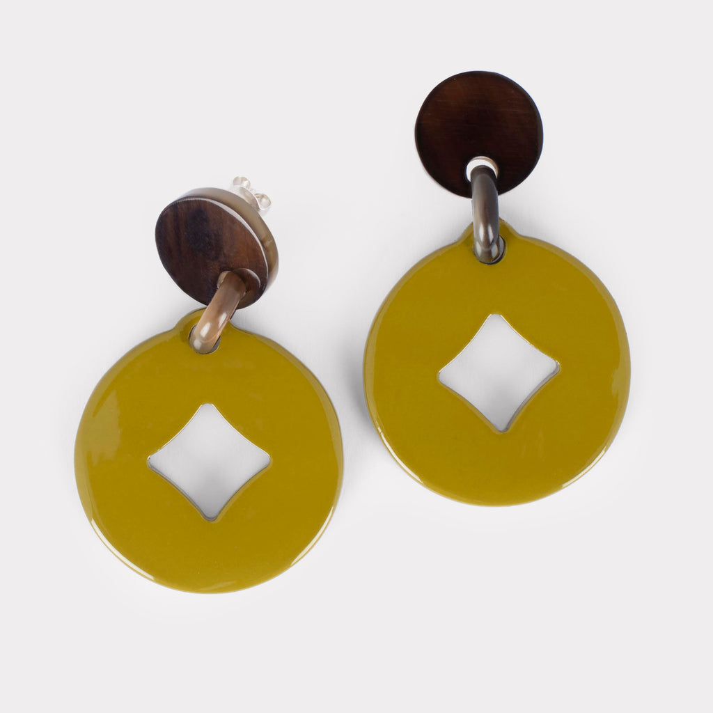 Andrea earring: lacquered cutout earrings in buffalo horn. Color: lime.