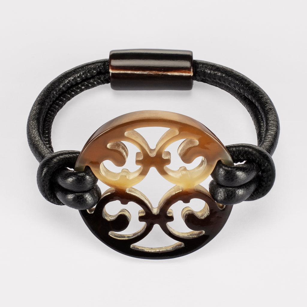 Porto Gothic bracelet: Carved Gothic bracelet in natural buffalo horn. Color: brown shades.
