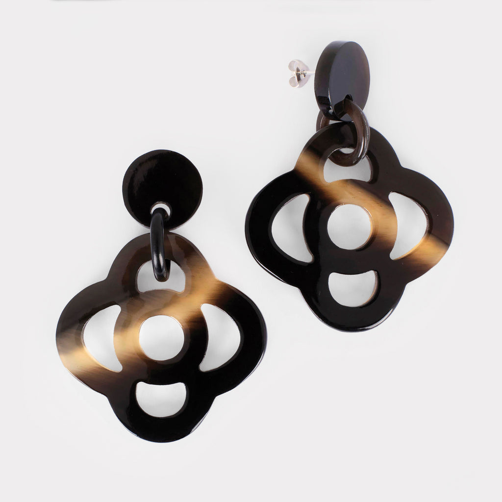Thea earrings: Carved floral earrings in buffalo horn. Color: brown shades.