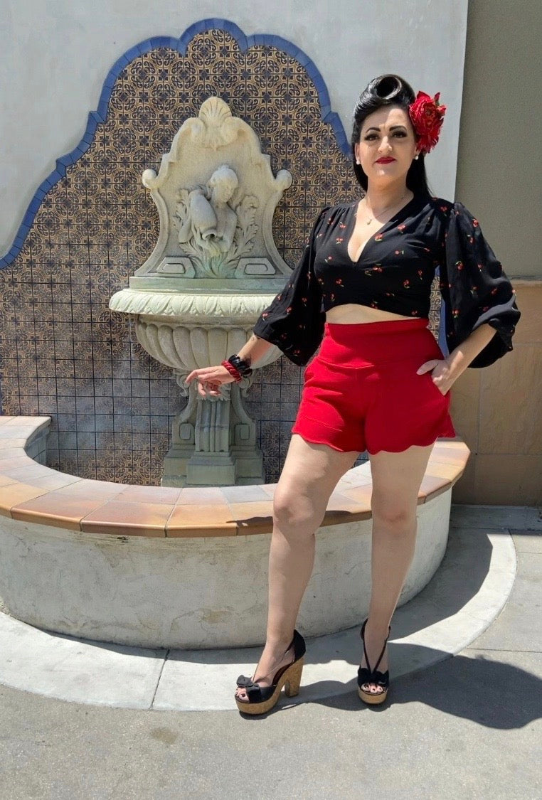 Amarra High-Waisted Shorts Red