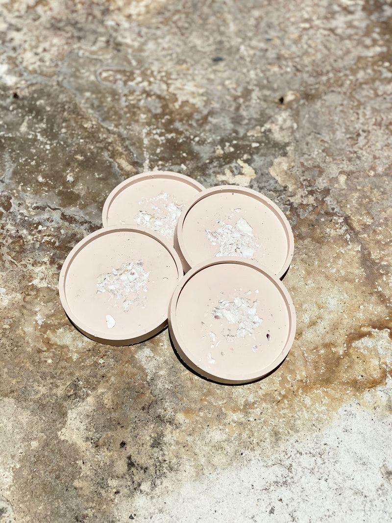 Blushing Oyster Coaster Set - Round