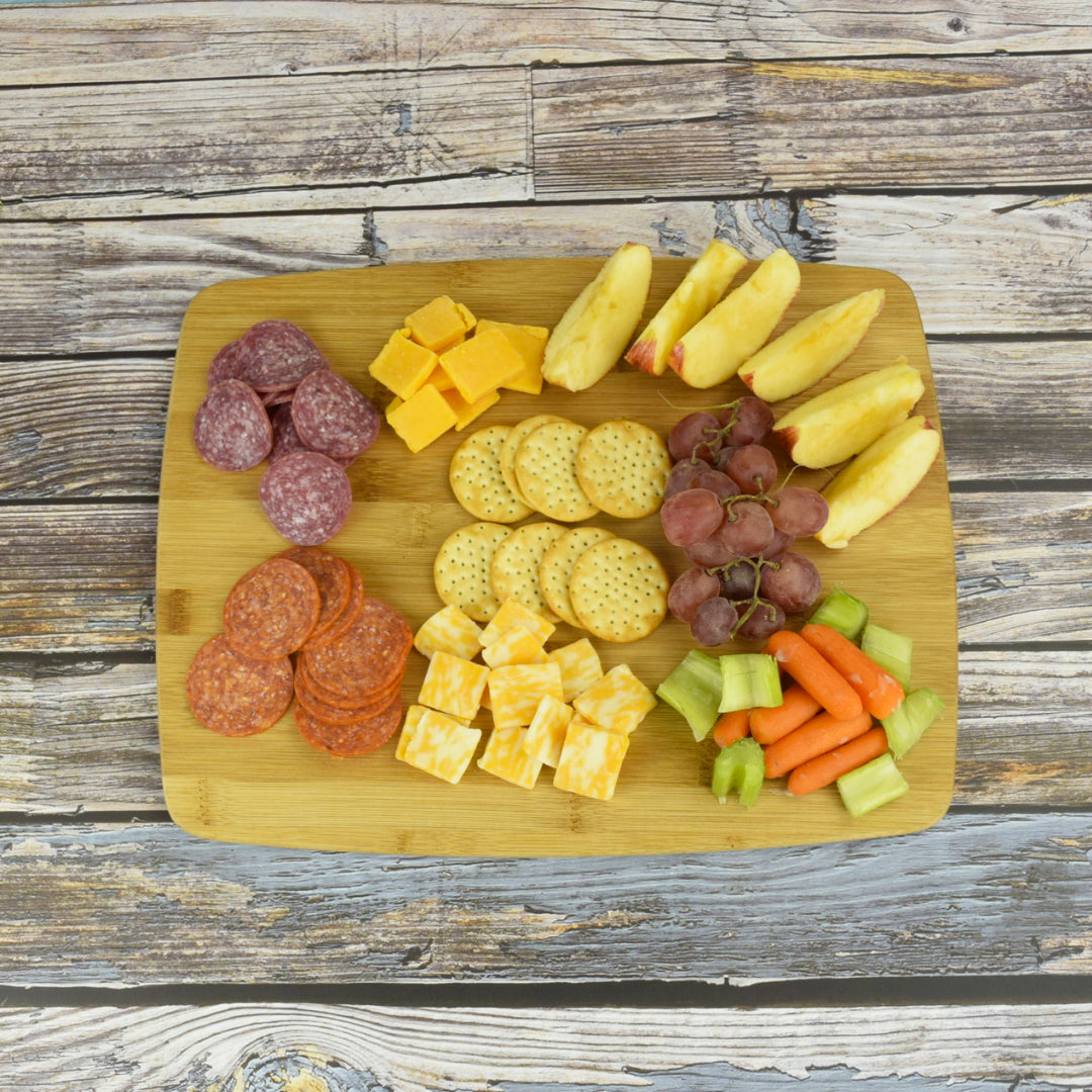 How to Prepare an Appetizer Snack Tray: Arranging the Tray