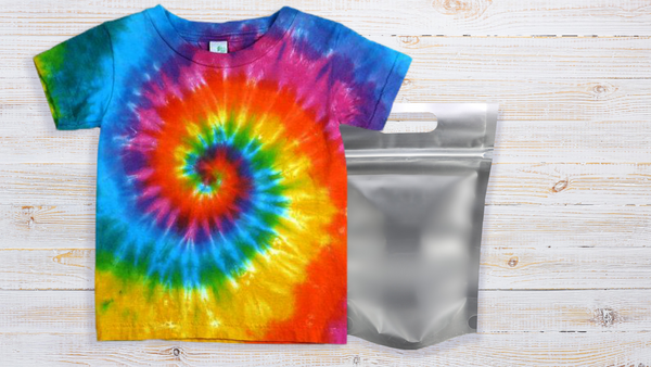Step five: remove t-shirt after leaving overnight for a finished spiral tie-dyed t-shirt