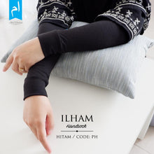 Load image into Gallery viewer, HANDSOCKS BY ILHAM MUSLIMAH