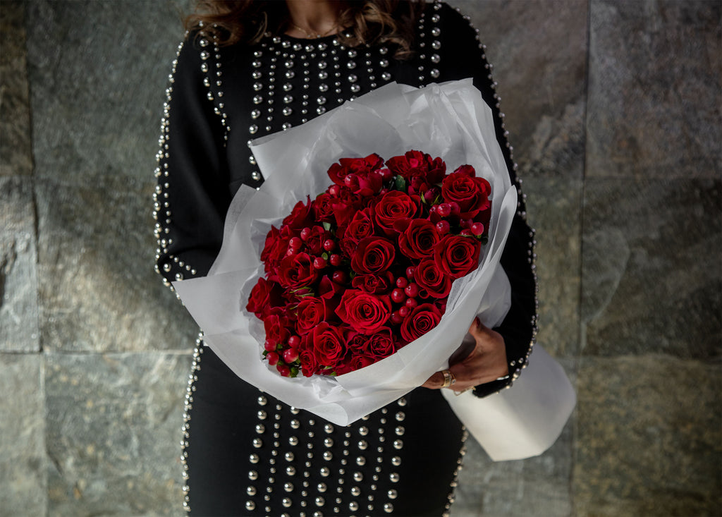 Hand Bouquet Medium Red Roses