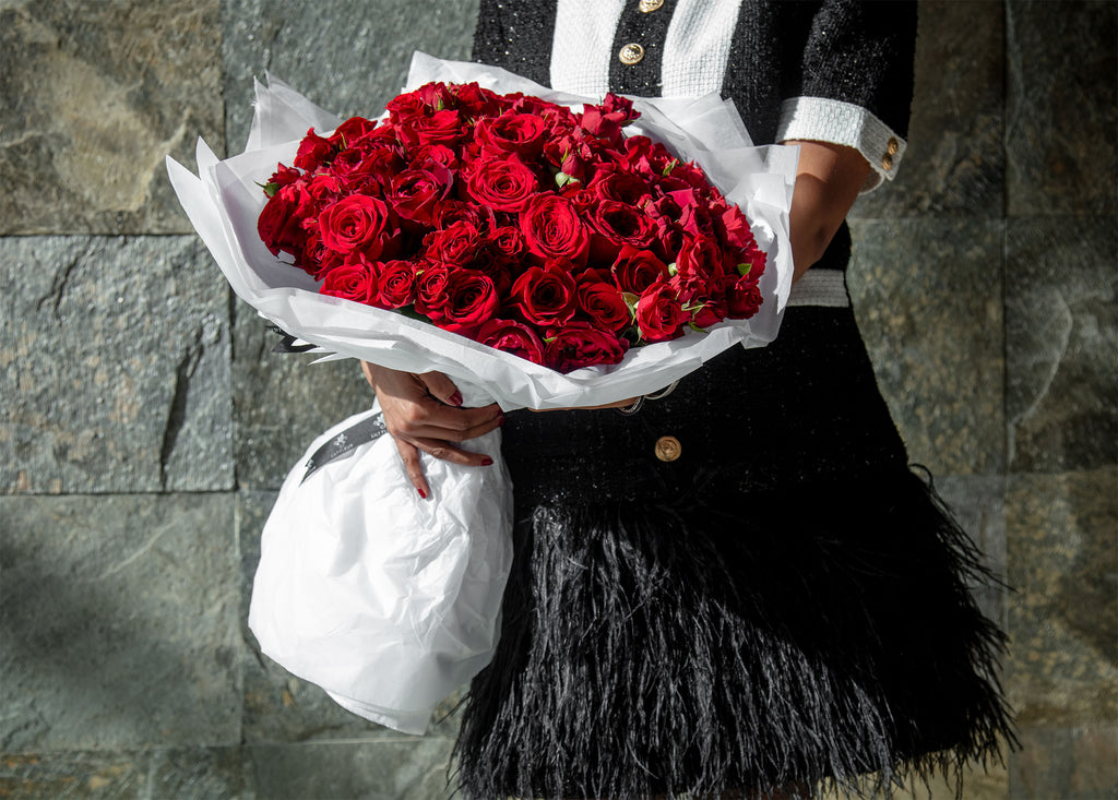 Hand Bouquet Red Roses - Big