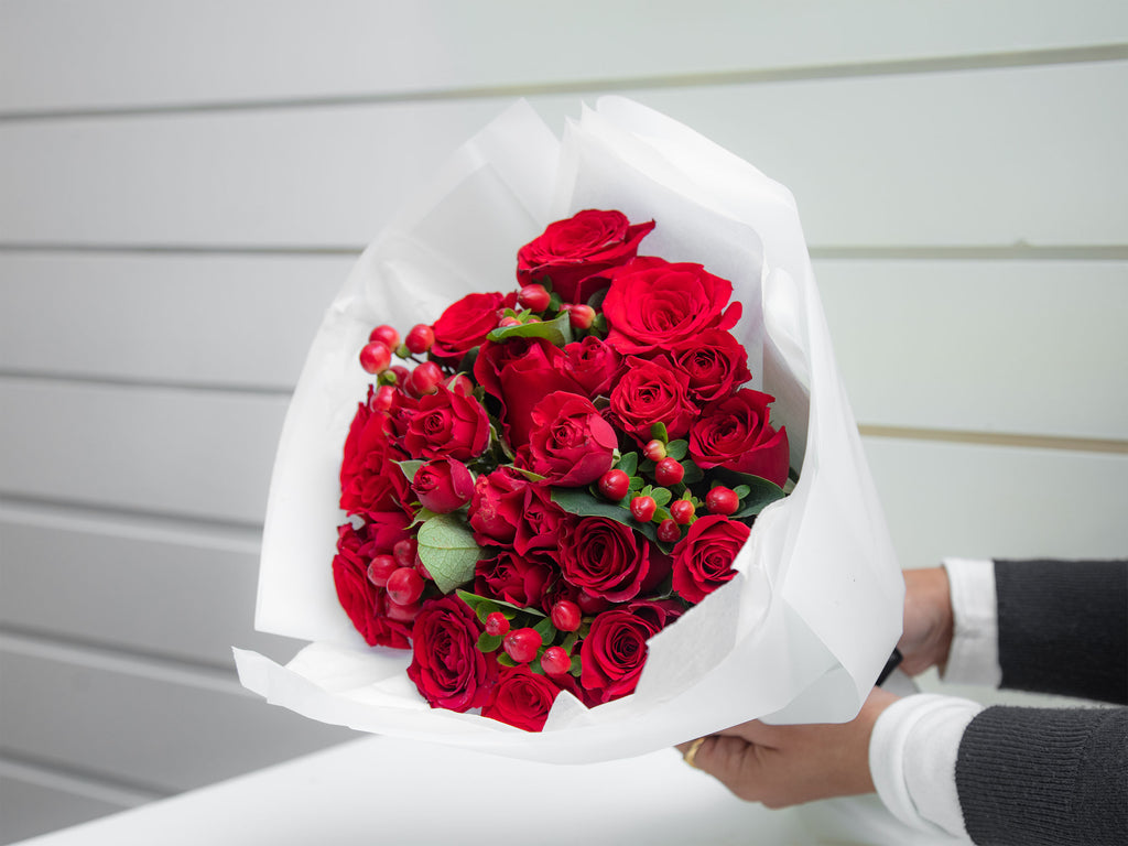 Hand Bouquet Red Roses - Small
