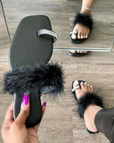 Splicing Fluffy Rhinestone Toe Post Flat Slippers