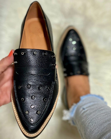 Pointed-toe Solid Color Splicing Studded PU Leather Loafers