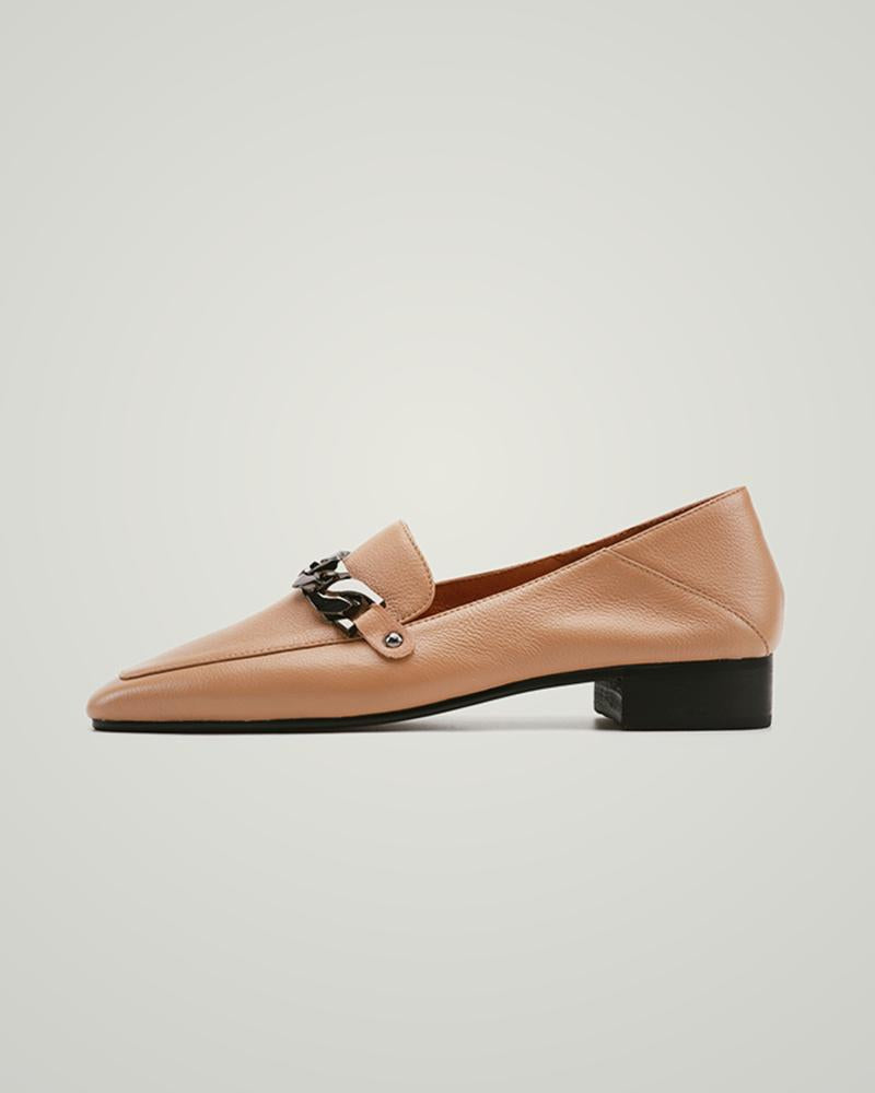 Solid Pointed-toe Hardware Chain Loafers