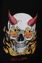 Load image into Gallery viewer, Flaming skull T-shirt