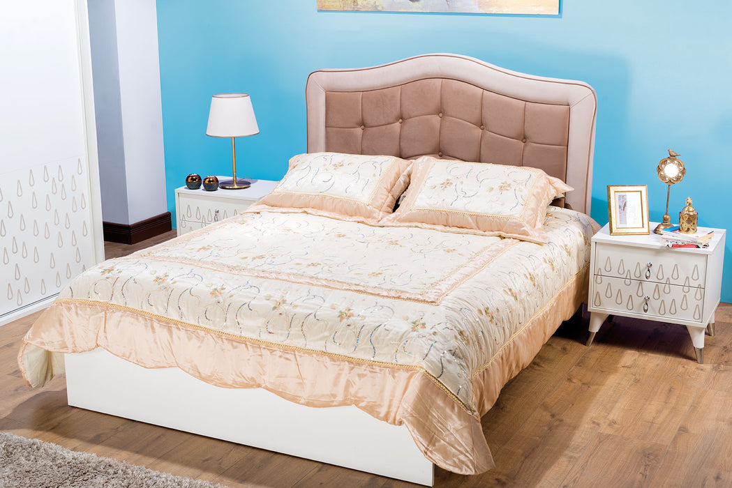 Drop 5 Piece Bedroom Set Queen Bed,Dresser,Night Stand 2pcs, and Sliding Wardrope.
