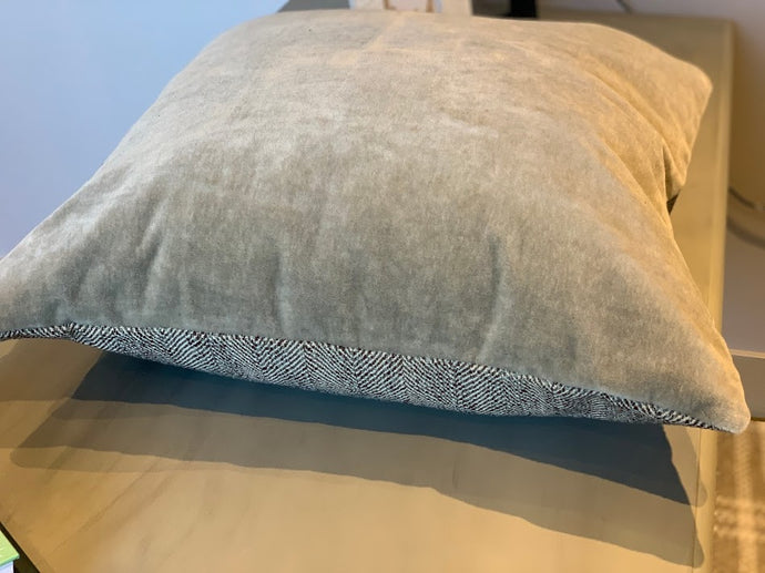 Mohair & Wool Toss Cushion - Cement- 24