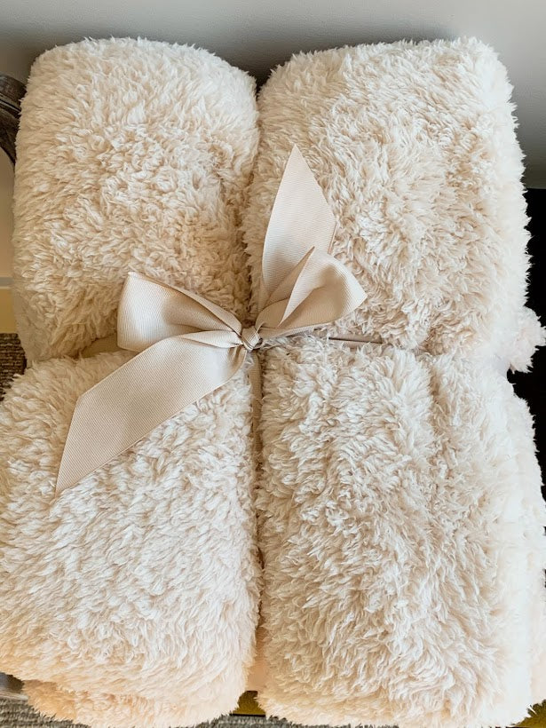 Sherpa Throw Blanket (Light Beige)