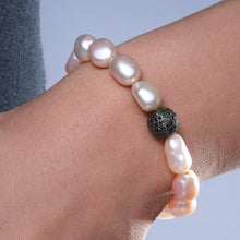 Load image into Gallery viewer, Black Diamond Roundule Pearl Bracelet