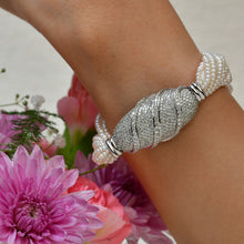 Load image into Gallery viewer, Diamond and Pearl Bracelet