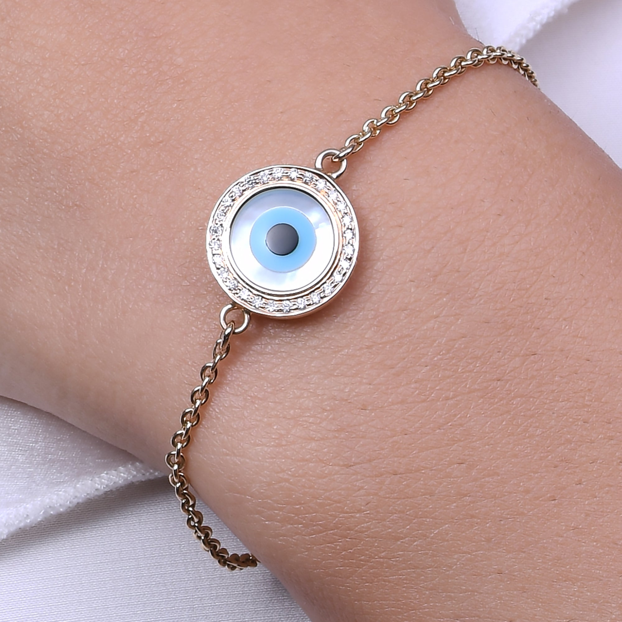 Small Round Evil Eye Diamond Chain Bracelet