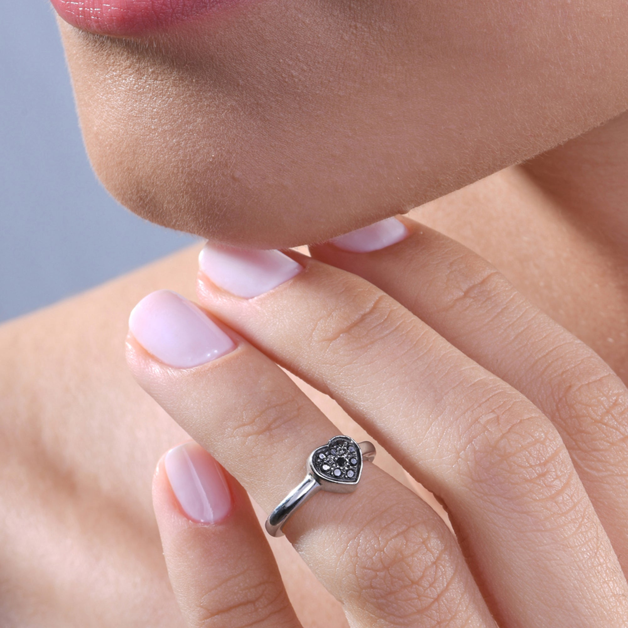 Heart Black Diamond Midi Ring